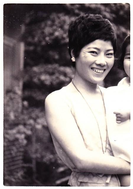 29才の母・歌子。一番きれいな頃なのかな。